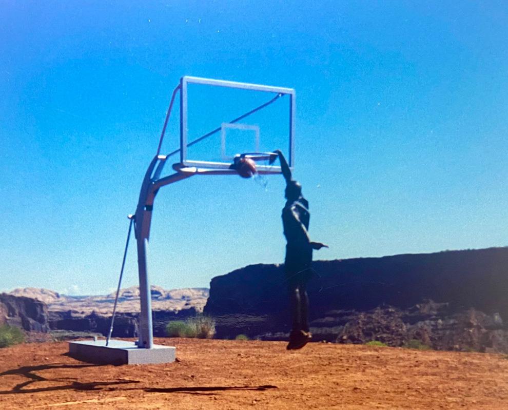 El mate nunca visto de Michael Jordan... ¡¡machacando en pleno desierto!!