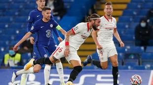 Nemanja Gudelj, en Stamford Bridge.