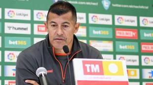 Jorge Almirón en rueda de prensa.