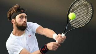 Basilashvili pega de revés