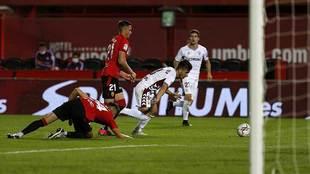 Manu Fuster falló la ocasión más clara del encuentro de Mallorca