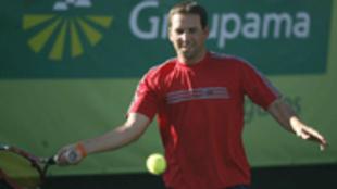 Sergio García durante un partido de tenis de exhibición en 2007.