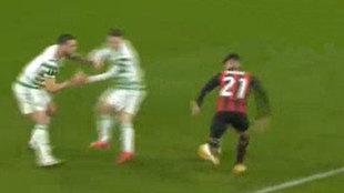 Golazo de Brahim tras volver locos a dos defensas: ¡les hizo chocarse en la frontal!