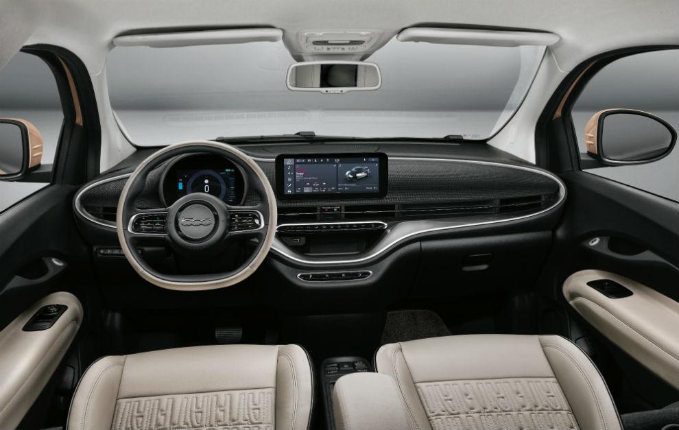 El puesto de mando consta de una pantalla TFT de 7 pulgadas y navegador táctil de 10,25.