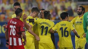 Los jugadores del Villarreal CF en el partido de Europa League ante...