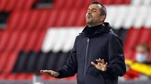 Diego Martínez en el pasado encuentro frente al PSV en Europa League