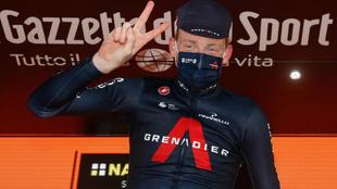 Tao Geoghegan Hart celebra su segundo triunfo de etapa en el Giro.