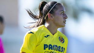 Debutó con el Villarreal de la Liga Iberdrola