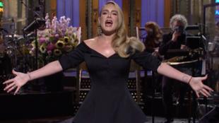 Adele presenta el 'Saturday Night Live'.