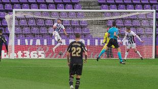 Tomás Pina abre el marcador en el Valladolid-Alavés