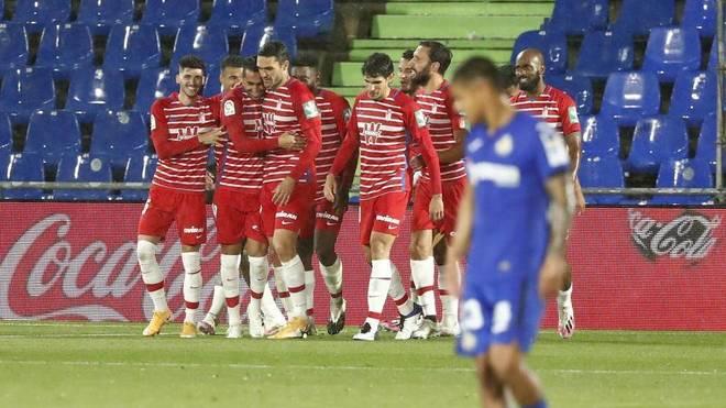 El Granada celebra el gol de Montoro.