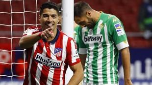 Luis Suárez celebra su gol al Betis del pasado sábado.