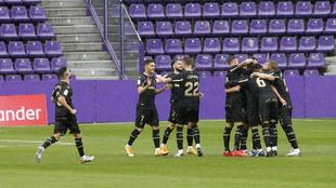 El Deportivo Alavés celebrando su gol en el partido de LaLiga ante el...