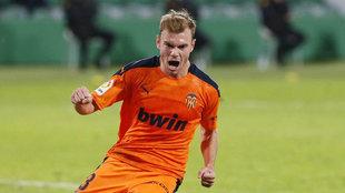 Lato celebra su gol al Elche.