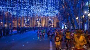Miles de corredores en la San Silvestre del año pasado