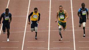 Blake Leeper, a la derecha, junto a Pistorius en imagen de archivo
