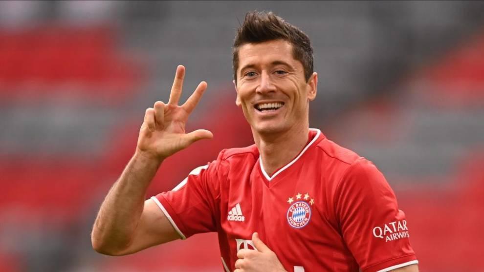 Robert Lewandoski celebrando el tercero frente al Eintracht el pasado...