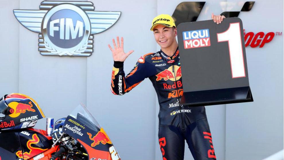 Raúl Fernández, tras lograr su quinta pole del año en el GP de...
