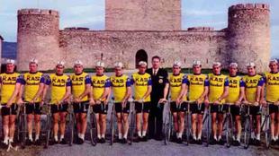 Formación del KAS hace más de 30 años.