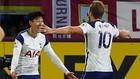 Son Heung-Min y Kane celebran un tanto con el Tottenham.