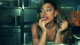 Ariana Grande en Positions