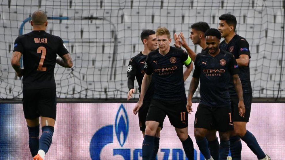 Los jugadores del City celebran el gol de Ferran