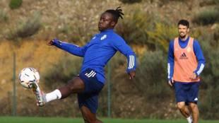 Moussa Sidibé en un entrenamiento con la SD Ponferradina