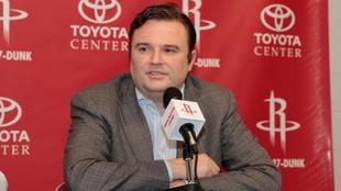 Daryl Morey, que cambiará los Rockets por los Sixers.
