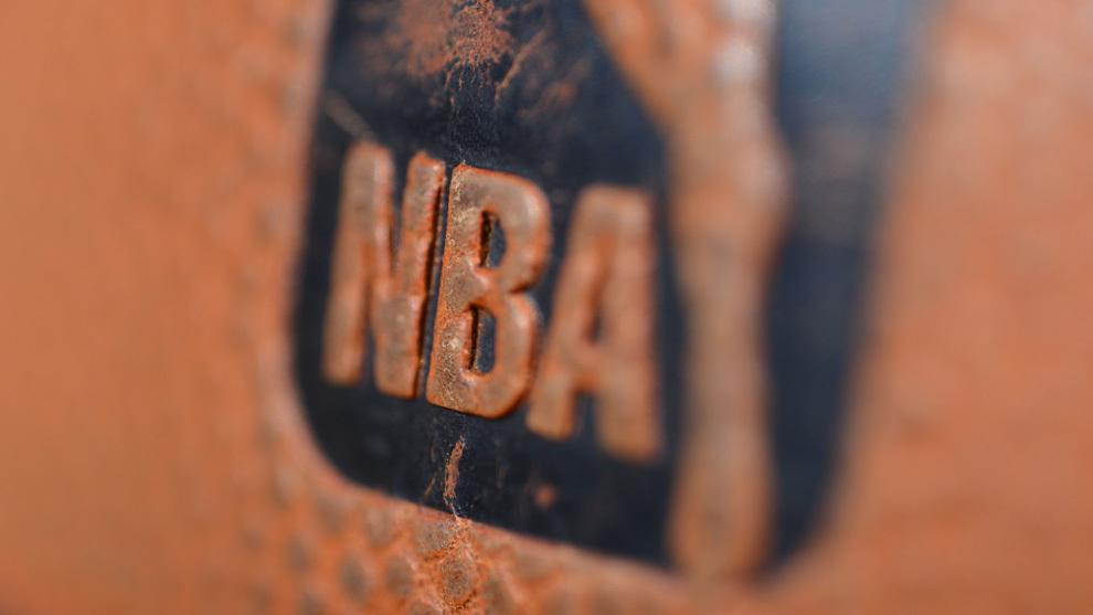 Imagen de un balón de la NBA