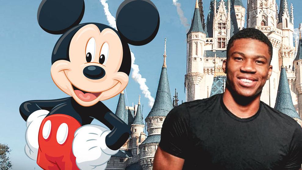 Montaje con Giannis Antetokounmpo frente al castillo Disney