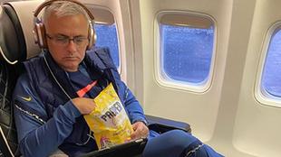 Jose Mourinho, entrenador del Tottenham, utiliza su cuenta de...