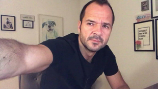 Ángel Martín y su popular informativo desenfadado