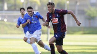 Alejo, en su época como jugador del Eibar