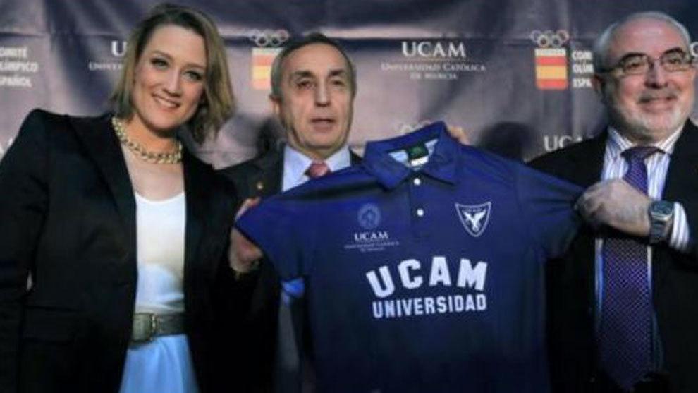 Mireia Belmonte, Alejandro Blanco (COE) y José Luis Mendoza (UCAM)
