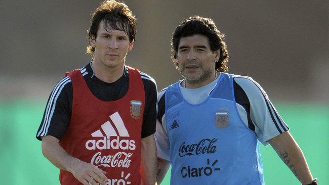 """Maradona: """"Sabía que Messi no acabaría bien con el Barça"""""""