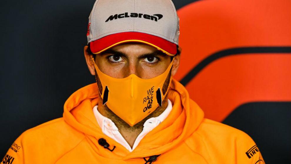 Carlos Sainz, en la rueda de prensa del Gran Premio de Emilia Romagna...
