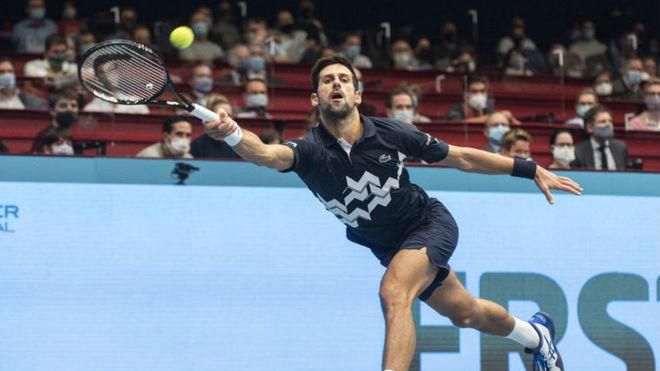 Novak Djokovic,durante el partido en Viena que le enfrentó a Lorenzo...