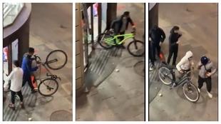 Aunque parezca una película, es de verdad: saquean una tienda y se montan La Vuelta a España con bicis y patinetes robados