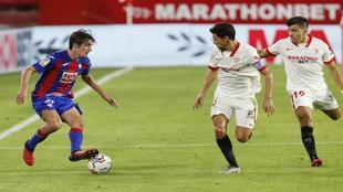 Bryan Gil en el partido contra el Sevilla.