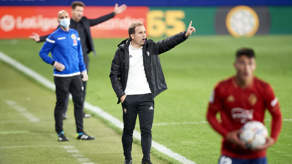 Jagoba Arrasate durante el partido frente al Atlético de Madrid