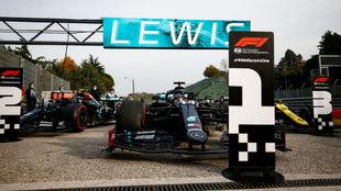 Hamilton y Bottas, doblete en Imola que vale el séptimo título...