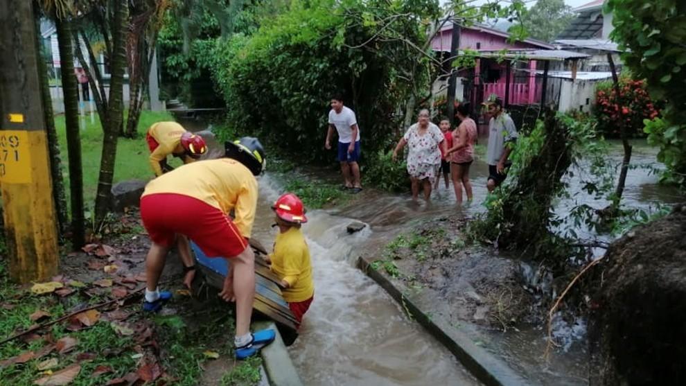 El Huracán Eta ya ha comenzado a hacer estragos en Nicaragua y...