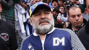 Última hora: Maradona tendrá que ser operado de un coágulo en la cabeza