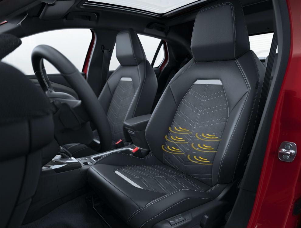 El Corsa Ultimate ofrece asientos calefactados con regulación en seis vías.