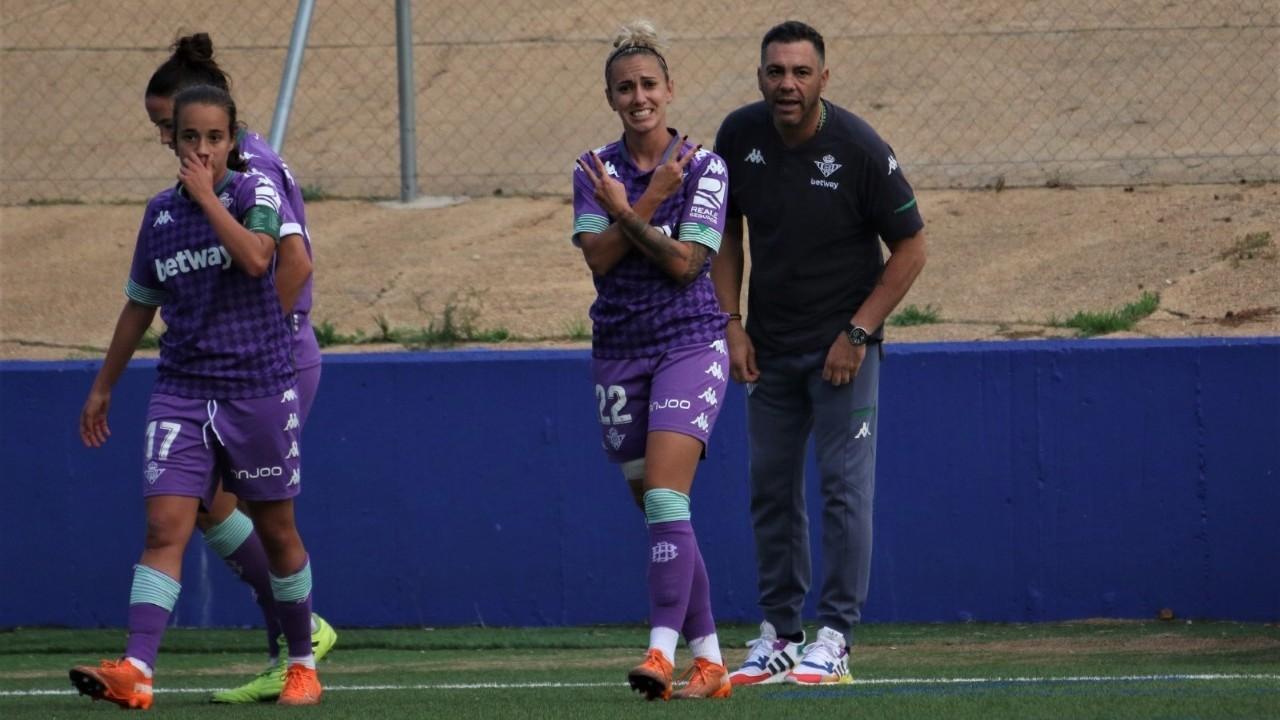 Ángela Sosa celebra su gol en Huelva.