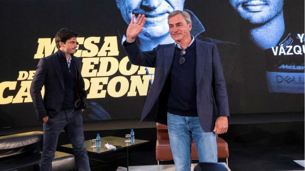 Carlos Sainz padre e hijo durante la pasada entrega de los premios...