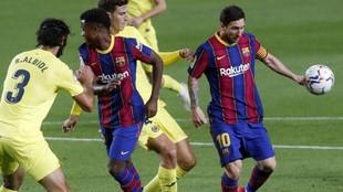 Messi y Fati, en el encuentro contra el Villarreal.