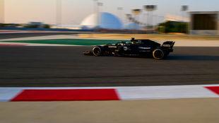 Alonso, durante los test de hoy en Bahréin.