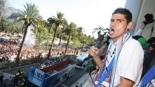 Antonio Hidalgo celebra el ascenso del Málaga.