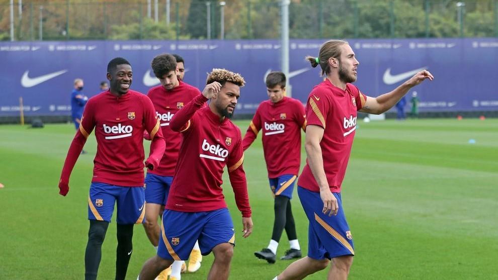 Barcelona vs Betis: Barcelona squad list: Mingueza and Konrad included for  Betis match | MARCA in English